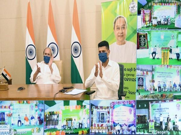 Visual of the event chaired by Odisha Chief Minister Naveen Patnaik (left) (Photo/Twitter)