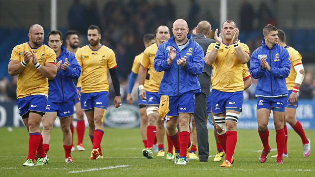 Rugby Union - Italy v Romania - IRB Rugby World Cup 2015 Pool D - Sandy Park, Exeter, England - 11/10/15 Romania players applaud fans at the end of the match Action Images via Reuters / Andrew Couldridge Livepic