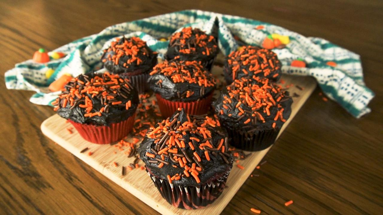 """<p><a href=""""https://www.delish.com/uk/cooking/g34009644/halloween-cakes/"""" target=""""_blank"""">Halloween cupcakes</a> with a twist - surprise friends and family with a hidden centre. But will they choose a treat filled cupcake, or a gross one?</p><p>Get the <strong><a href=""""https://www.delish.com/uk/cooking/recipes/a34368432/trick-or-treat-cupcakes/"""" target=""""_blank"""">Trick Or Treat Cupcakes</a></strong> recipe.</p>"""