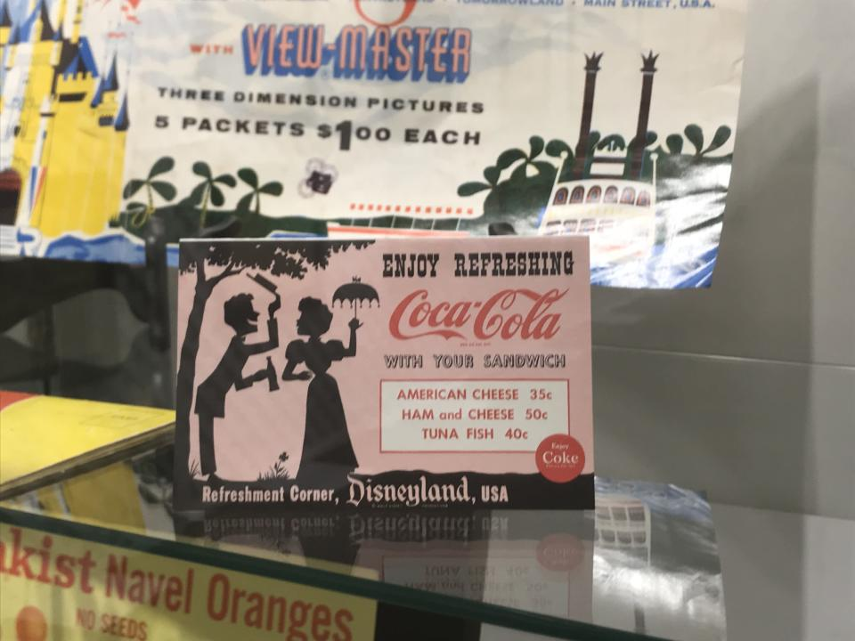Disneyland offered the cheap eats found outside the park, too. (Photo: Yahoo Entertainment)