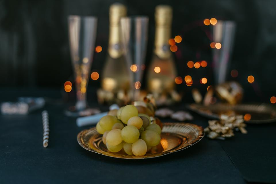 new years eve festive tablecloth and grapes