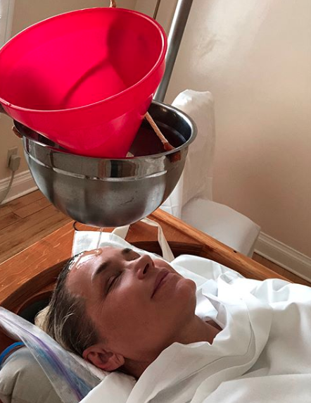 <span>The former reality star has been pursuing holistic treatments after being diagnosed with Lyme disease. (Photo</span>: Yolanda Hadid via Instagram)
