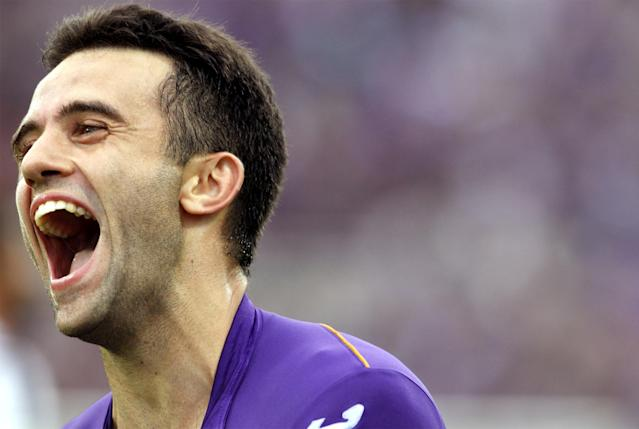 Fiorentina's Giuseppe Rossi celebrates after scoring during a Serie A soccer match between Fiorentina and Juventus at the Artemio Franchi stadium in Florence, Italy, Sunday, Oct. 20, 2013. Fiorentina won 4-2 with Rossi scoring a hat-trick. (AP Photo/Fabrizio Giovannozzi)