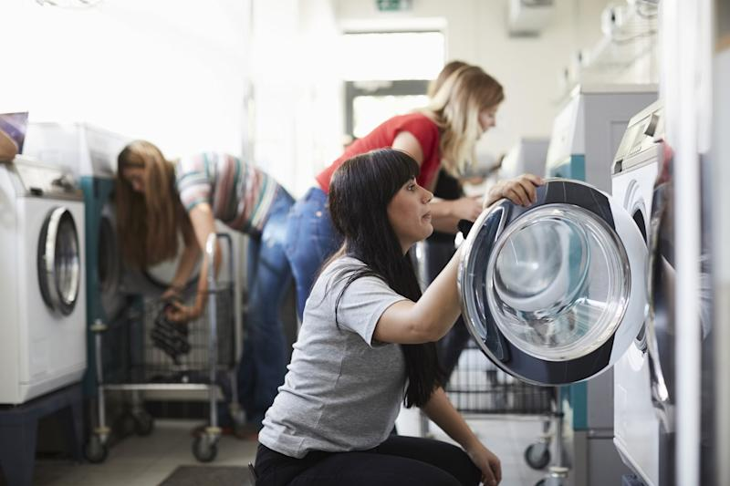 Is it safe to go to the laundromat during coronavirus?