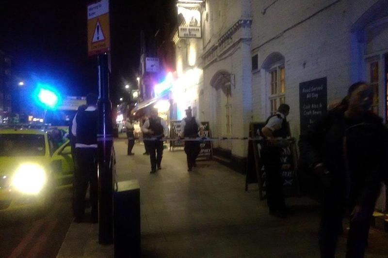 The police cordon was put in place outside the Horse and Groom pub (Specturm Sino Radio)