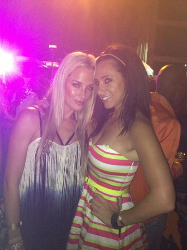 <p>Reeva and a friend in a picture posted by the South African model on Twitter (Twitter: Reeva Steenkamp)</p>