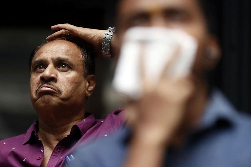 Sensex, Nifty Fall for for Fifth Session as Rising Coronavirus Cases Fuel Investor Concerns
