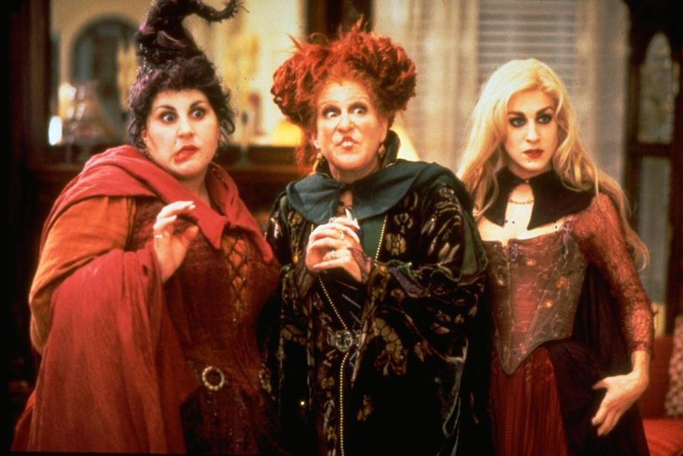 See the OG 'Hocus Pocus' Stars Back in Their Old Costumes for the Reunion
