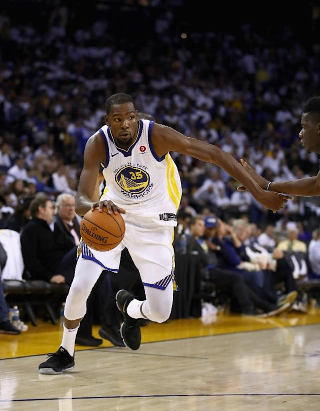 Kevin Durant of the Golden State Warriors stepped up with a 40-point performance in Portland, but that wasn't enough to stop the red-hot Trail Blazers (AFP Photo/EZRA SHAW)