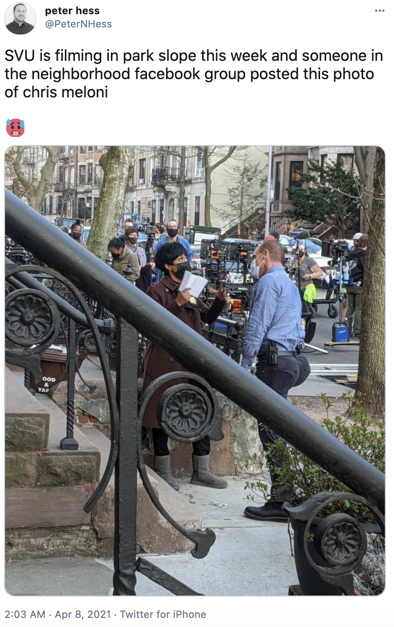 The Law & Order star (and his famous behind) were snapped while filming in NYC. Photo: Twitter/PeterNHess.