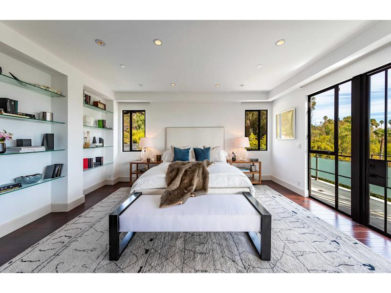 7801 Hillside Avenue Los Angeles, CA 90046. Source: The Agency RE