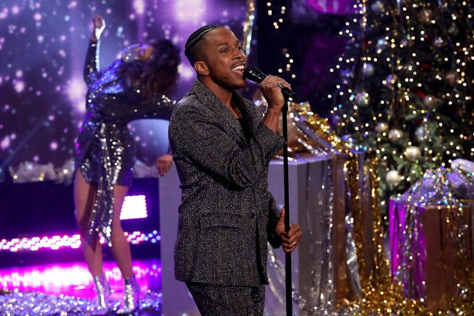"<p>Leslie Odom Jr. takes the stage for a rendition of ""Last Christmas"" on Wednesday's episode of <em>The Ellen DeGeneres Show</em> in Burbank, California. </p>"