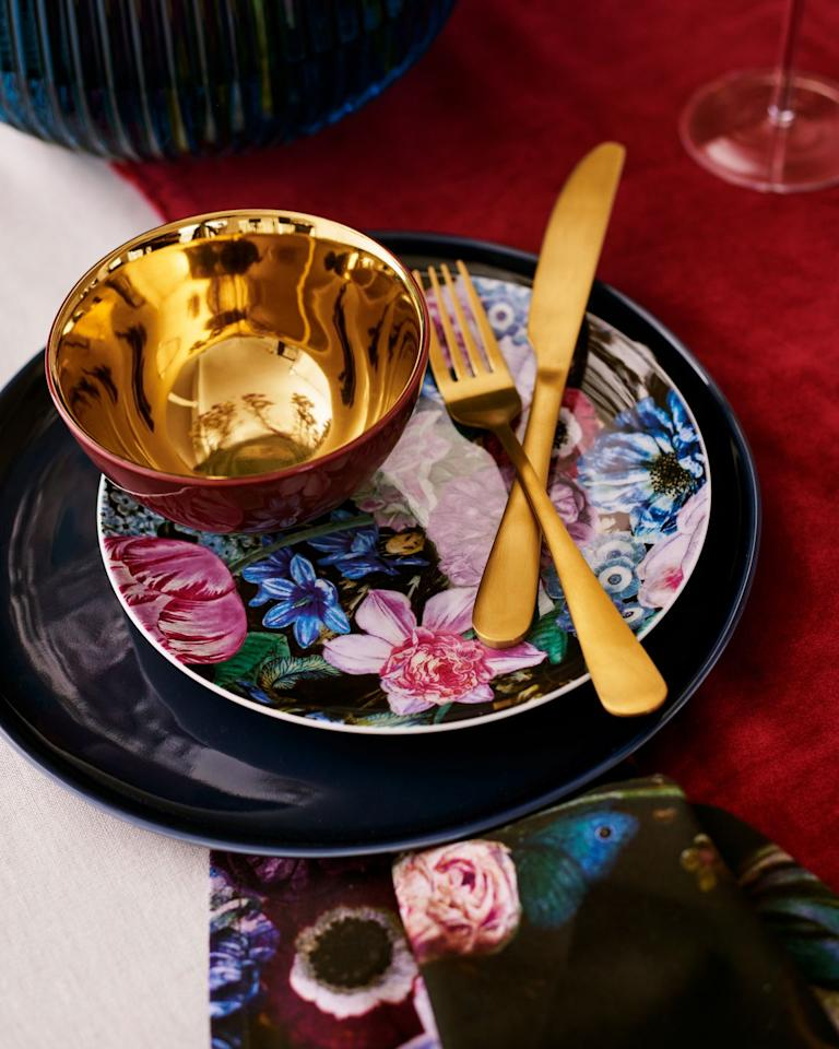 <p>Punctuated by unique floral prints, the Dutch Glam range is perfect for upgrading your kitchenware in style. Is anyone else obsessed with these gold mirrored bowls?  </p>