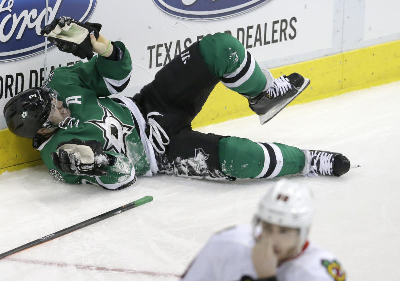Blackhawks top Stars 2-1 in 11th round of shootout