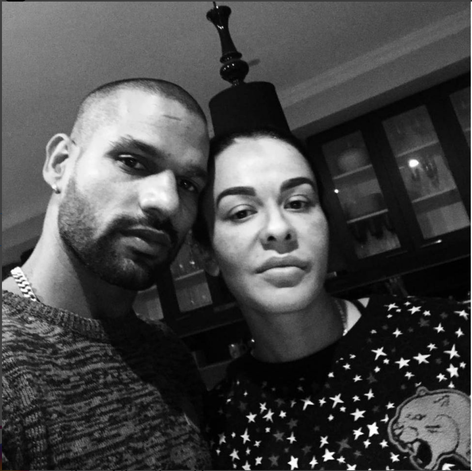 <p>Shikhar Dhawan with wife Ayesha </p>