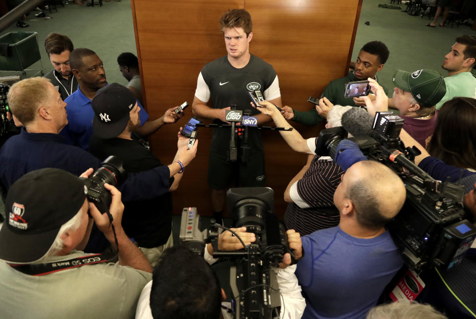 Welcome to New York, Sam Darnold. (AP Photo/Julio Cortez)