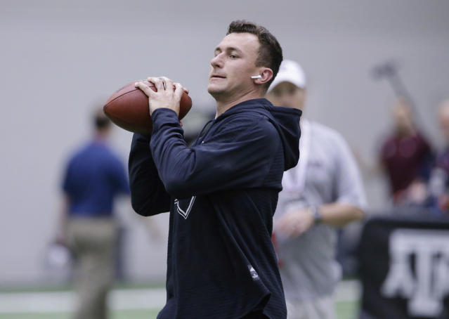 Johnny Manziel looked the part as a quarterback during last month's workout at Texas A&M's pro day. (AP)