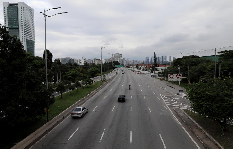 SAO PAULO, BRAZIL - MARCH 21: A view of an nearly empty highway during a lockdown aimed at stopping the spread of the (COVID-19) coronavirus pandemic on March 21, 2020, in Sao Paulo, Brazil. Sao Paulo state government authorities imposed restrictions to public transport and a mandatory shut-down of all non-essential businesses. According to the Ministry of Health, as of Friday, March 20, Brazil had 1.128 confirmed cases of the coronavirus (COVID-19) and at least 18 recorded fatalities. (Photo by Rodrigo Paiva/Getty Images)