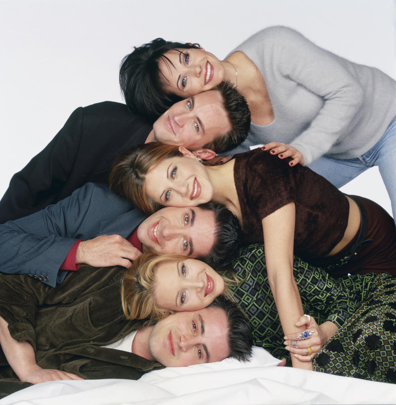 Courteney Cox Arquette as Monica Geller, Matthew Perry as Chandler Bing, Jennifer Aniston as Rachel Green, David Schwimmer as Ross Geller, Lisa Kudrow as Phoebe Buffay, Matt LeBlanc as Joey Tribbiani (Photo by NBCU Photo Bank/NBCUniversal via Getty Images via Getty Images)