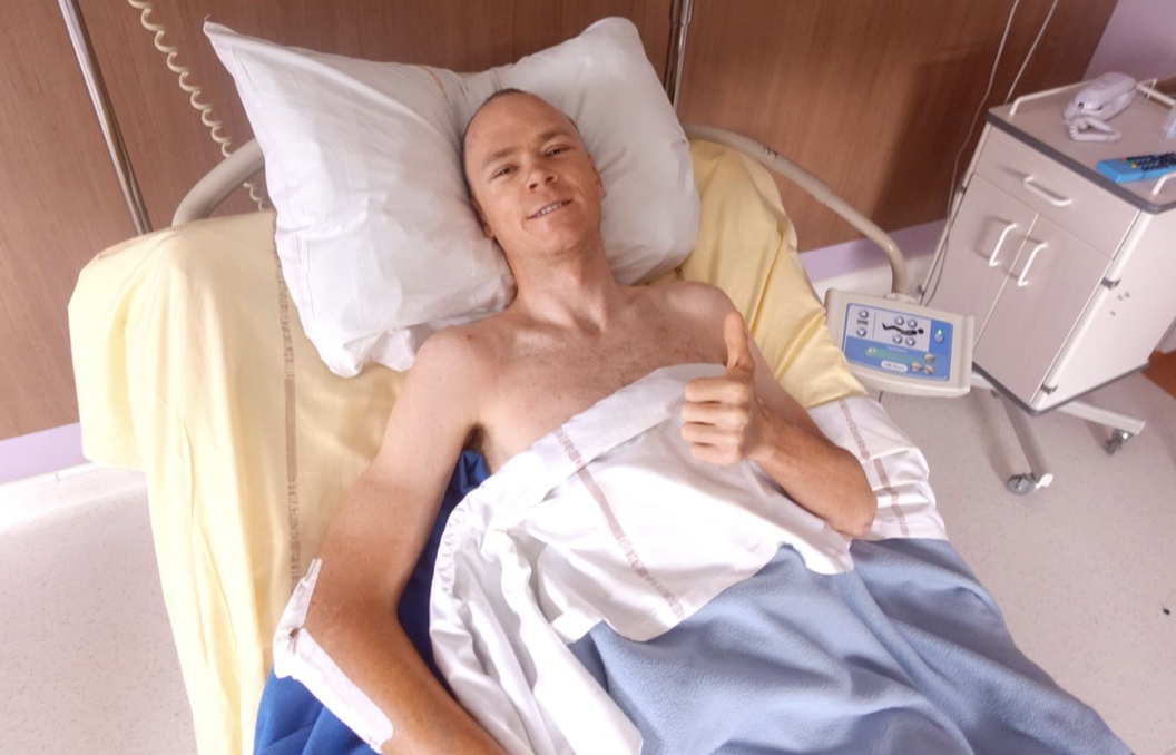 Froome crashed into a wall, travelling at 54 kilometers per hour.