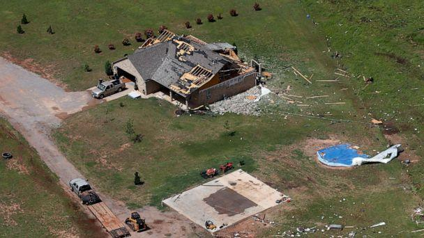 Weather service confirms 4 tornadoes in 50 miles in Kansas, Missouri