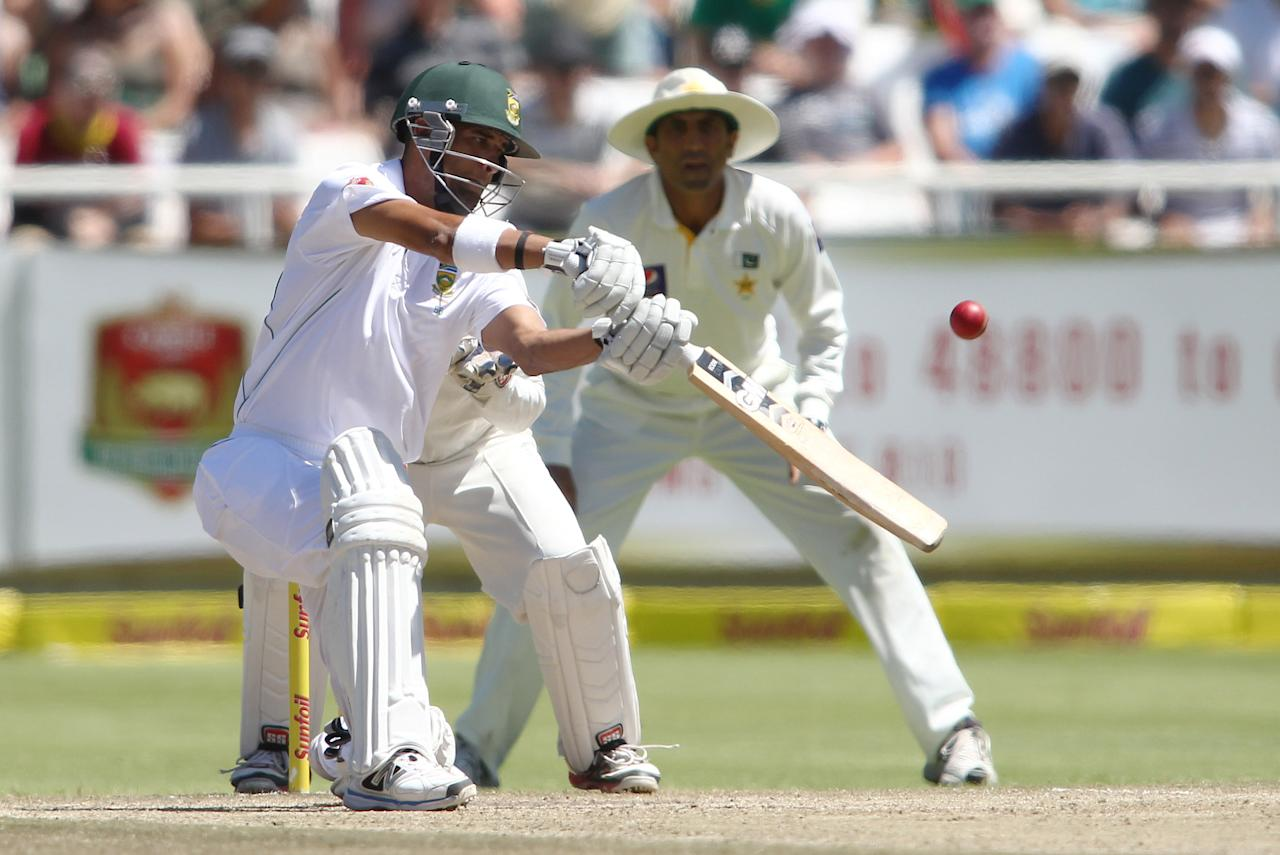 CAPE TOWN, SOUTH AFRICA - FEBRUARY 16:  Robin Peterson of South Africa hits out during day 3 of the 2nd Sunfoil Test match between South Africa and Pakistan at Sahara Park Newlands on February 16, 2013 in Cape Town, South Africa. (Photo by Shaun Roy/Gallo Images/Getty Images)