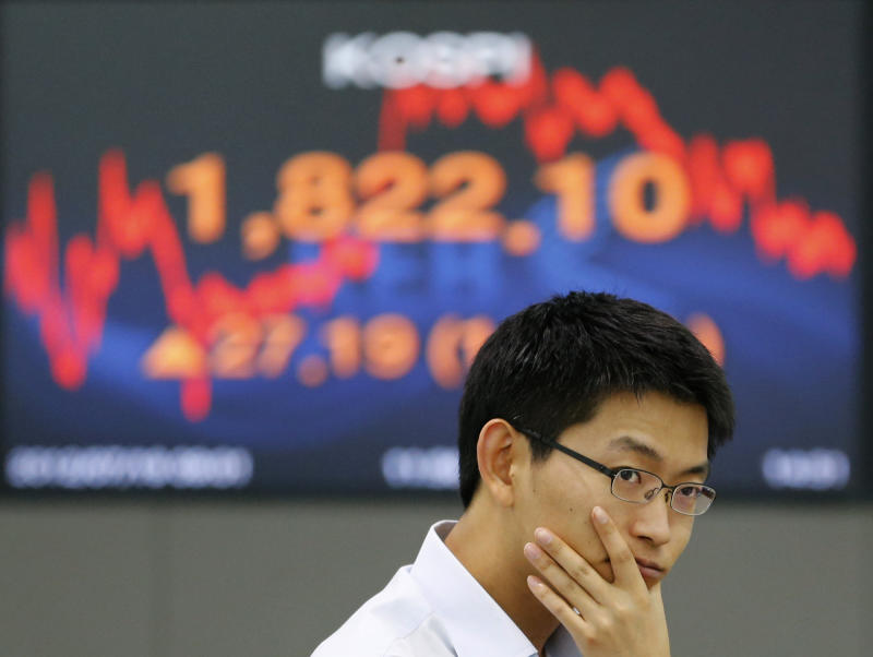 Asia stocks waver as data keeps sentiment in check