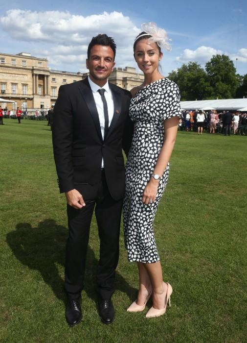 peter-andre-emily-grass