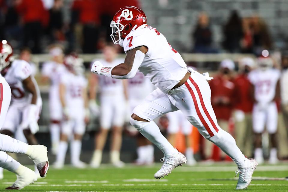 Oklahoma EDGE Ronnie Perkins has a good battle this week in the Bedlam game. (Photo by John E. Moore III/Getty Images)