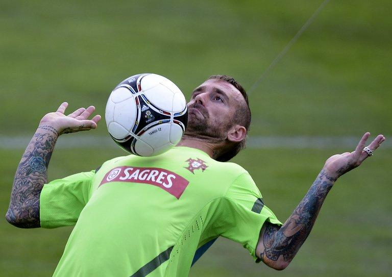 Portugal's midfielder Raul Meireles takes part in a training session at Praia Del Rey near Obidos on October 8, 2012