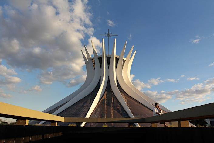 """<h1 class=""""title"""">Catedral Metropolitana de Bras√≠lia</h1> <div class=""""caption""""> Completed in 1970, Cathedral of Brasília quickly became one of the most recognizable structures in the country. </div> <cite class=""""credit"""">Photo: Getty Images</cite>"""