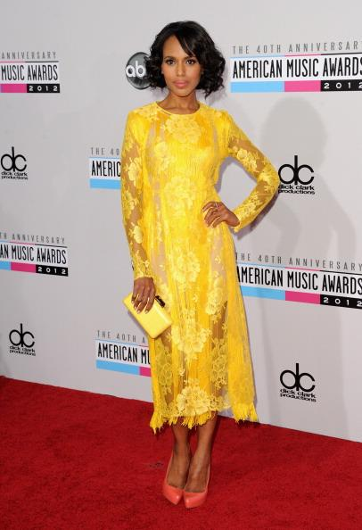 Kerry Washington arrives on the 2012 American Music Awards red carpet.