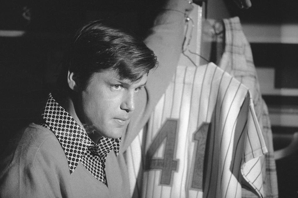 FILE - New York Mets' pitcher Tom Seaver straightens out his equipment at New York's Shea Stadium, in this Jan. 22, 1975, file photo. The past year has not been good for 1970s baseball, with the deaths of a multitude of the decade's mainstays and heroes. From Tom Seaver and Bob Gibson to Joe Morgan, Lou Brock and longtime home-run king Hank Aaron, some of the most familiar names on the field during that era are now gone.(AP Photo/Harry Harris, File)