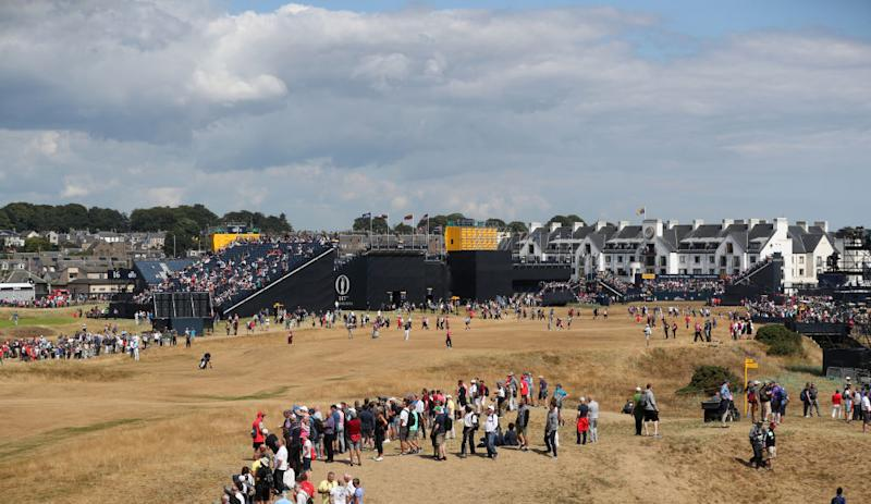 Jordan Spieth drives first hole for eagle at The Open