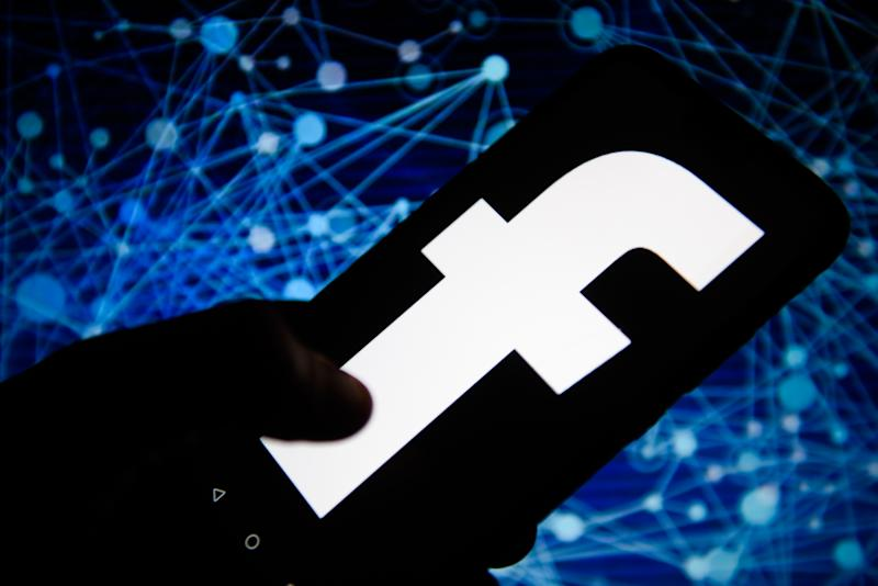 Facebook's Irish users to trial data transfer service