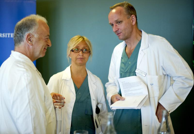 From left specialist surgeons Andreas G Tzakis, Pernilla Dahm-Kähler and Mats Brannstrom attend a news conference Tuesday Sept. 18, 2012 at Sahlgrenska hospital in Goteborg Sweden. Two Swedish women are carrying the wombs of their mothers after what doctors called the world's first mother-to-daughter uterus transplants. The specialists at the University of Goteborg completed the surgery over the weekend without complications, but say they won't consider the procedures successful unless the women achieve pregnancy after their observation period ends a year from now. (AP Photo/Adam Ihse) SWEDEN OUT