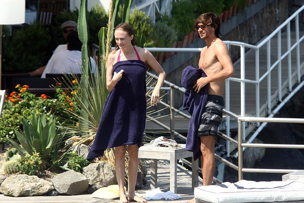 """Heather Graham and her filmmaker boyfriend Yaniv Raz were also photographed enjoying some downtime on the Isle of Ischia. <a href=""""http://www.infdaily.com"""" target=""""new"""">INFDaily.com</a> - July 12, 2010"""
