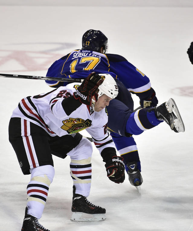 Bad blood: Emotions at boiling point as Blackhawks, Blues armor up for Game 3