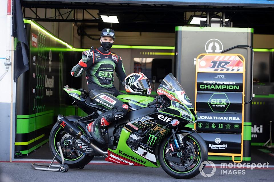 "Jonathan Rea, del equipo Kawasaki Racing Team celebra su sexto Campeonato Mundial<span class=""copyright"">Gold and Goose / Motorsport Images</span>"