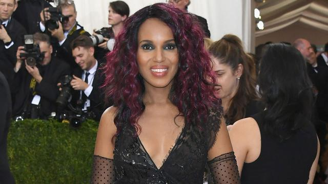 The expectant mother stunned on the red carpet with a new 'do and sexy black ensemble.