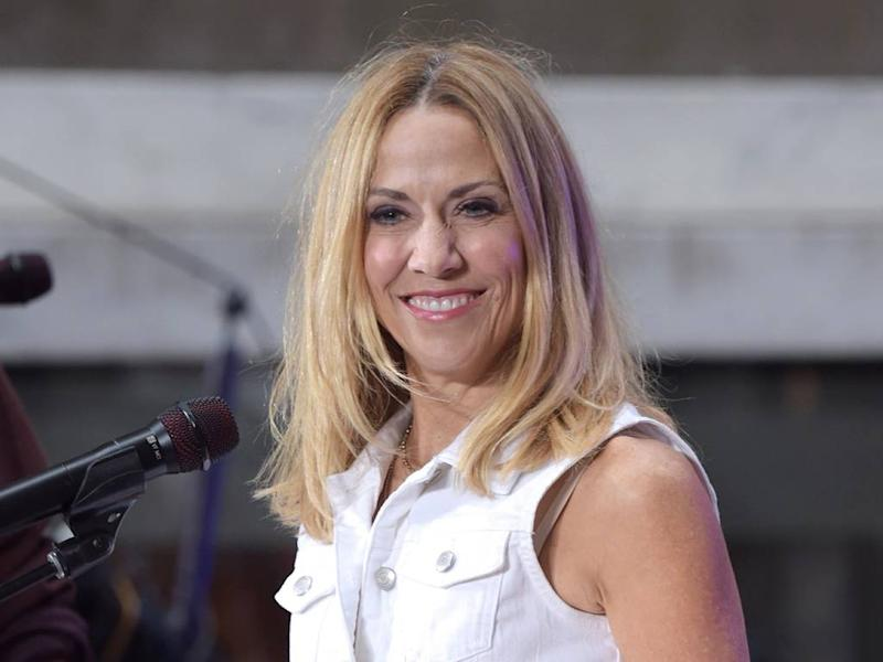 Sheryl Crow weighs in on Taylor Swift's masters controversy