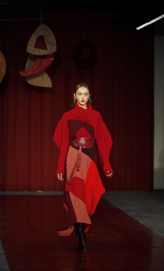 A model wears a creation by designer Roksanda during their Autumn/Winter 2017 show as part of London Fashion Week in London, Monday, Feb. 20, 2017. (AP Photo/Kirsty Wigglesworth)