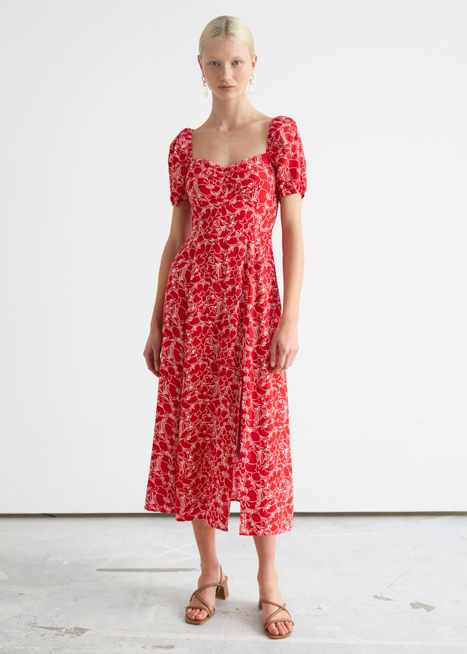 Robe longue rouge & Other Stories