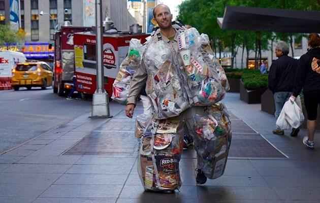 Rob Greenfield made it his mission to wear all his rubbish for 30 days. Source: Facebook/Rob Greenfield