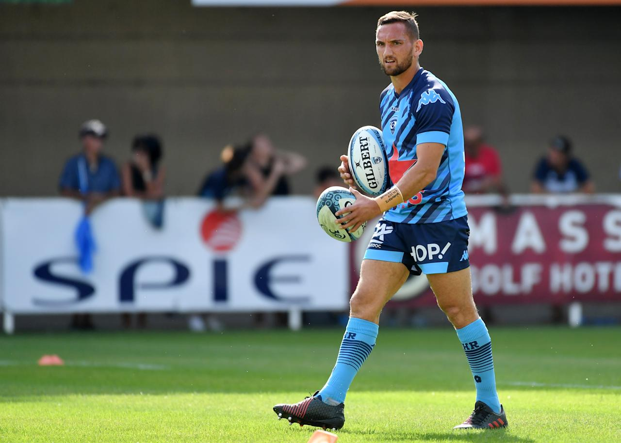 Montpellier's New Zealand fly-half Aaron Cruden warms up before the French Top14 rugby union match between Montpellier and Agen on August 26, 2017 at the Altrad stadium in Montpellier, southern France. (AFP Photo/PASCAL GUYOT)