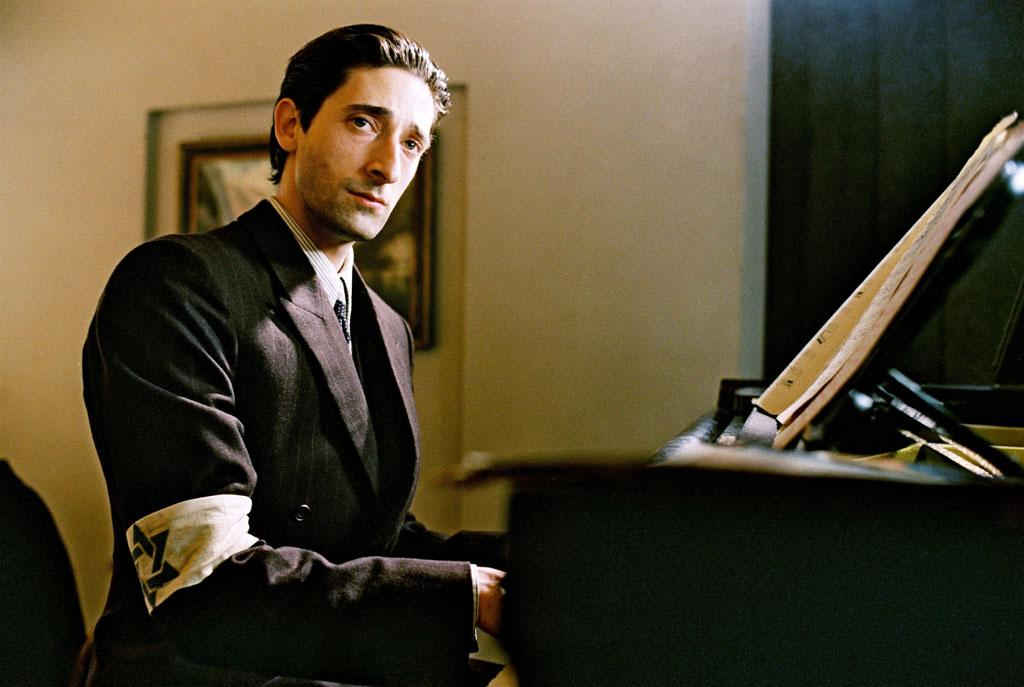 """<a href=""""http://movies.yahoo.com/movie/1804633150/info"""">THE PIANIST</a> (2002)  Actor: Adrien Brody   Character: Wladyslaw Szpilman   Note: Brody not only lost 31 lb off of a diet of boiled eggs and green tea for the part, but he also sold his car and moved out of his apartment to get that feeling of loss required for the role."""