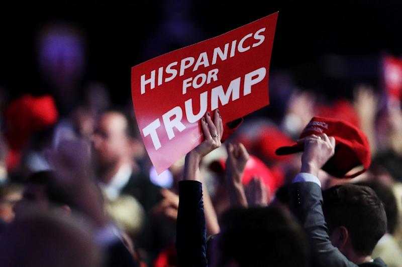 25% of third-generation Latinos support building a wall on the US border with Mexico, and Donald Trump's proposal for a mass deportation of undocumented migrants (AFP Photo/Spencer Platt)