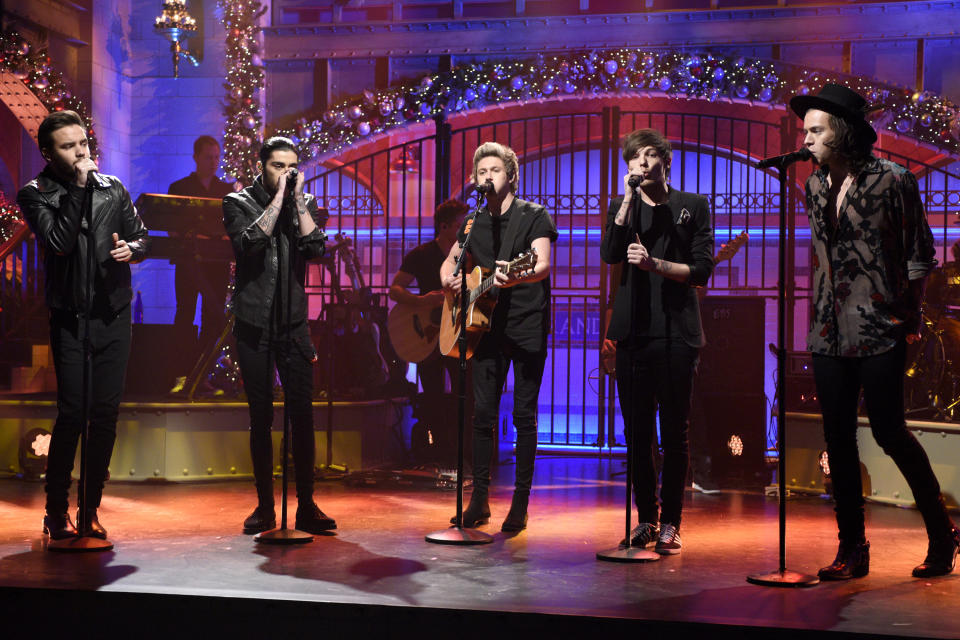 """SATURDAY NIGHT LIVE -- """"Amy Adams"""" Episode 1672 -- Pictured: (l-r) Liam Payne, Zayn Malik, Niall Horan, Louis Tomlinson and Harry Styles of musical guest One Direction perform on December 20, 2014 -- (Photo by: Dana Edelson/NBCU Photo Bank/NBCUniversal via Getty Images via Getty Images)"""
