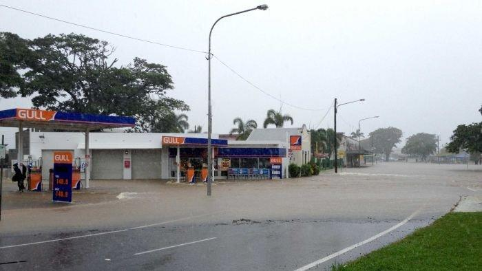 Towns flooded as downpour heads south