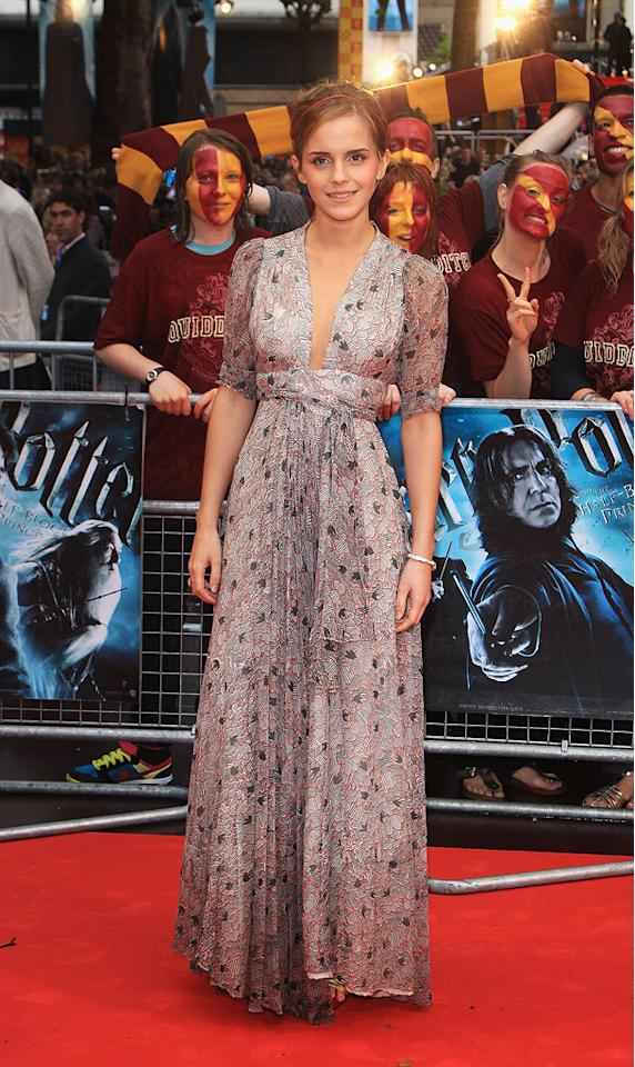 "2009  <a href=""http://movies.yahoo.com/movie/1809791044/info"">Harry Potter and the Half Blood Prince</a> London premiere   Not even a little rain could take away her glow in this vintage 1970's Ozzi Clark dress."